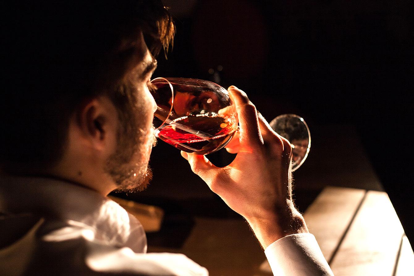 5-lucruri-pe-care-trebuie-sa-le-stii-despre-servirea-vinului-image1