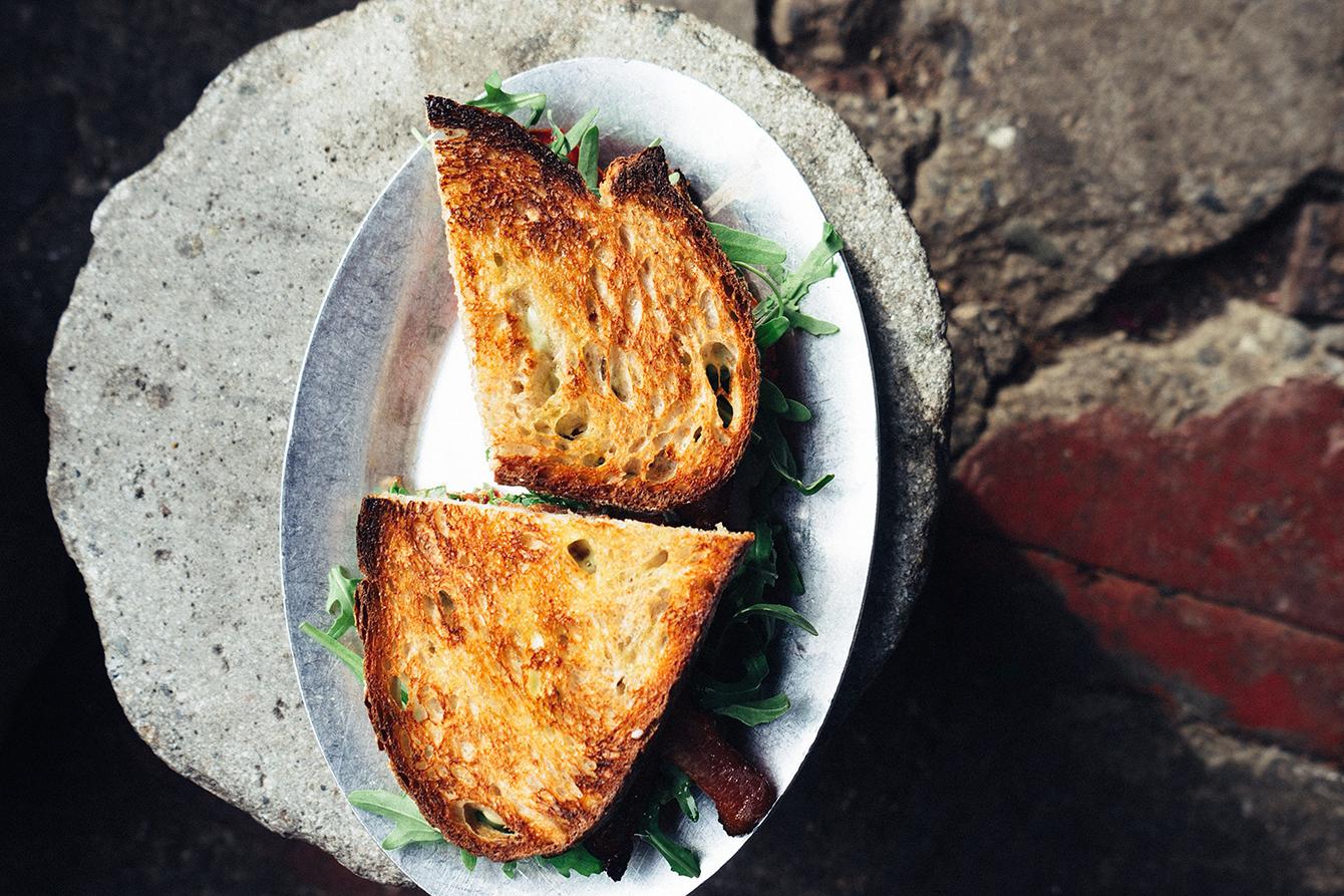 beko - sandvis cu pui si branza brie