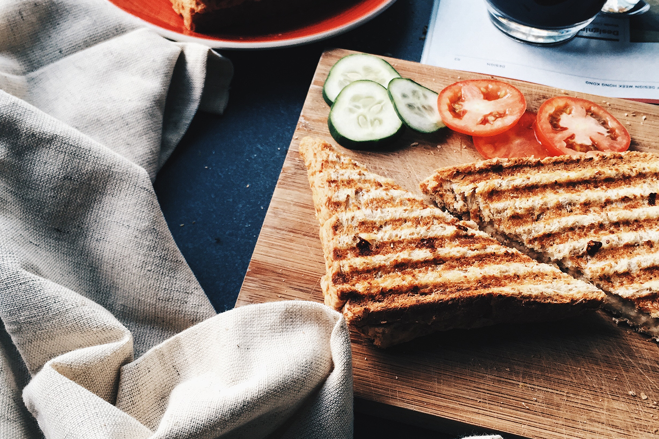 beko - sandvis cu ton si cascaval