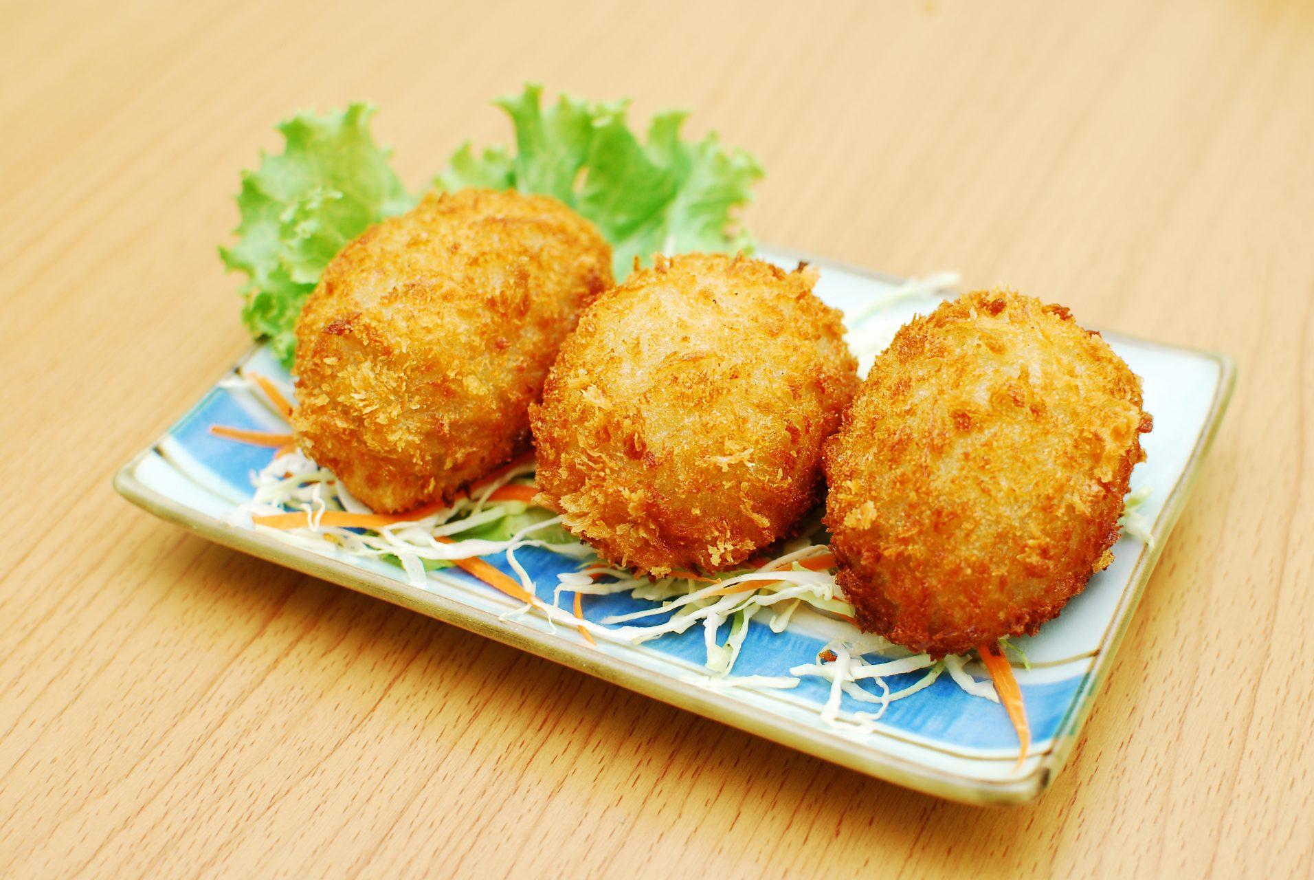 chiftele cu orez si cartofi
