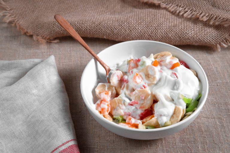 Salata de fructe cu frisca