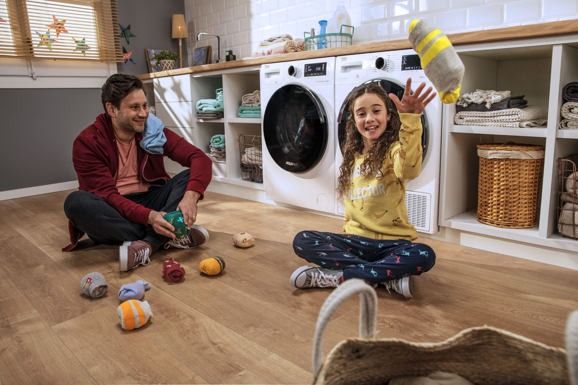 Beko 2019 Laundry AquaTech Lifestyle Photo with Cast Low 4 Master