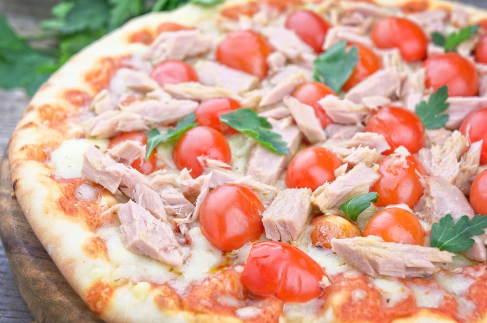 reteta-irezistibila-de-pizza-homemade-cu-ton_364635320