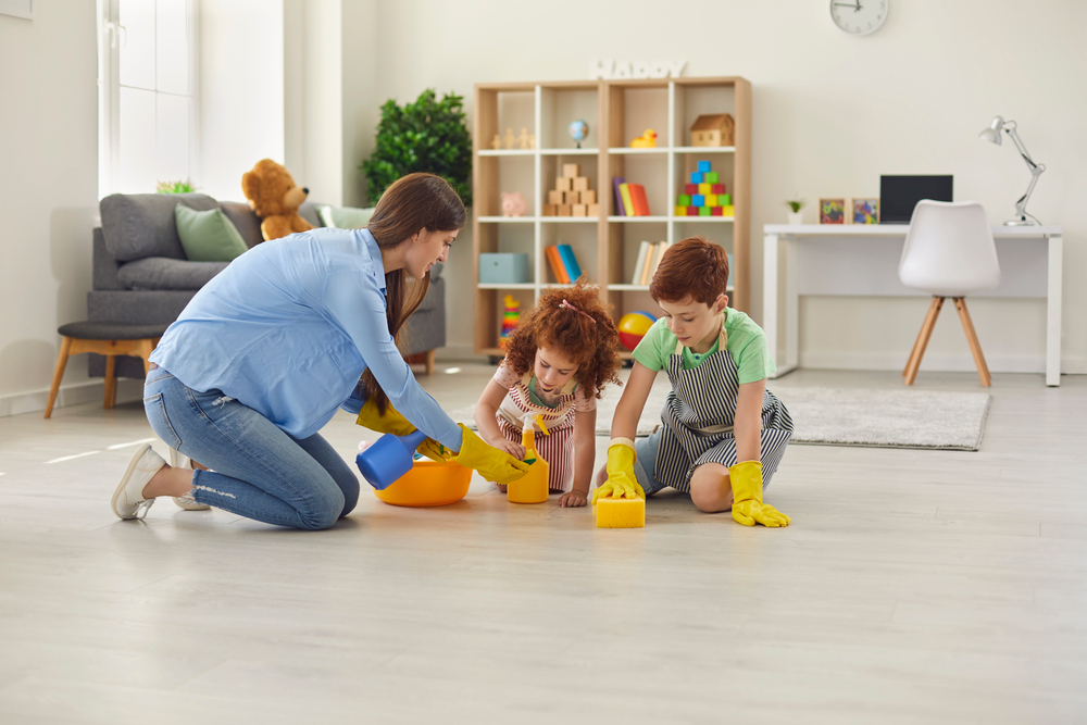 Happy,Family,Cleans,Room,With,Gloves.,Mother,,Son,And,Daughter
