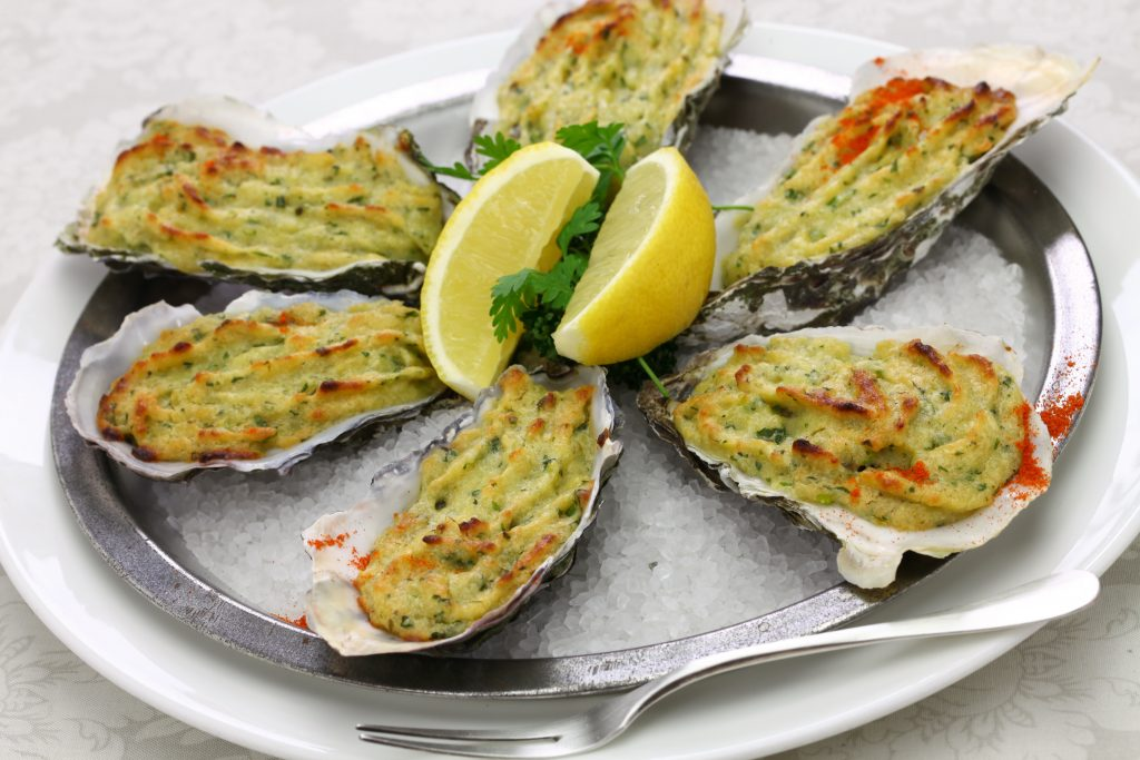 Oysters,Rockefeller,,Baked,Oysters,On,Half,Shell,Topped,With,Green