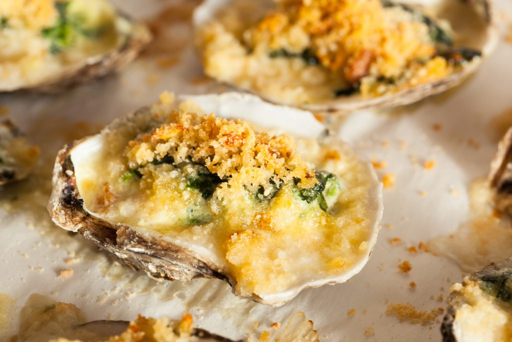 Homemade,Creamy,Oysters,Rockefeller,With,Cheese,And,Spinach